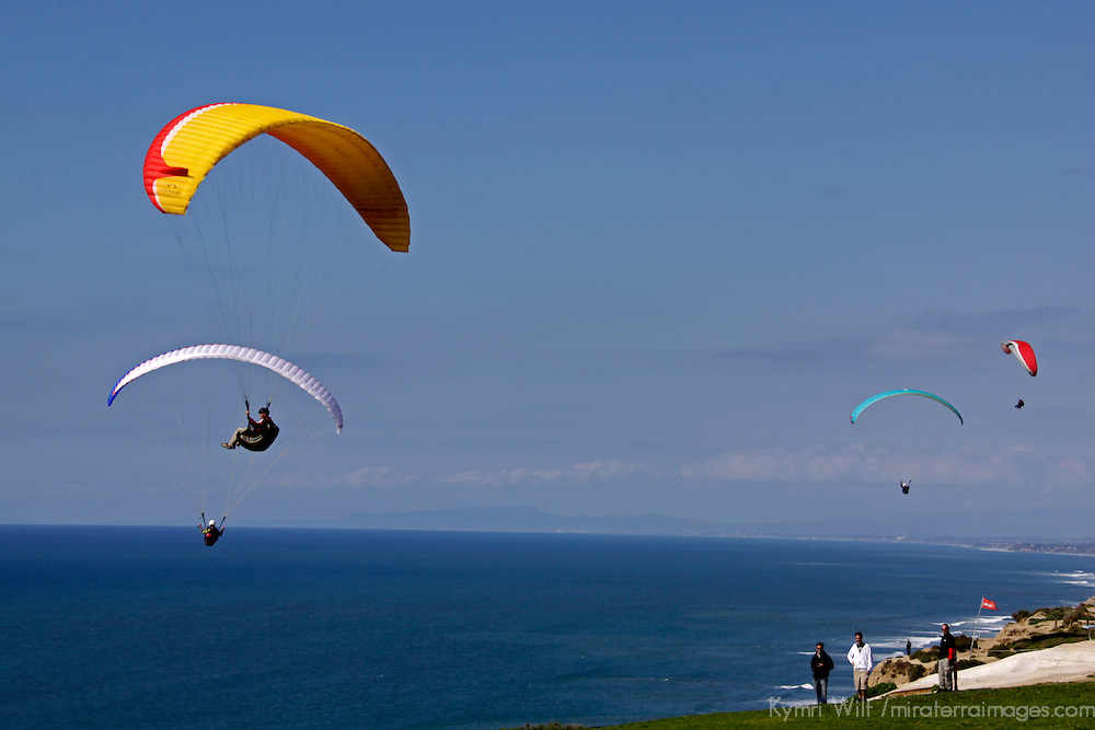 USA, California, San Diego. Torrey Pines Glider Point and Paragliders.