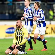 Voetbal Heerenveen Eredivisie 2014-2015 SC Heerenveen - Vitesse: Aanvoerder Guram Kashia of Vitesse baalt na de 2-0