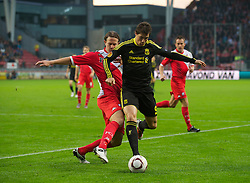 UTRECHT, THE NETHERLANDS - Thursday, September 30, 2010: Liverpool's Fernando Torres and FC Utrecht's Alje Schut during the UEFA Europa League Group K match at the Stadion Galgenwaard. (Photo by David Rawcliffe/Propaganda)