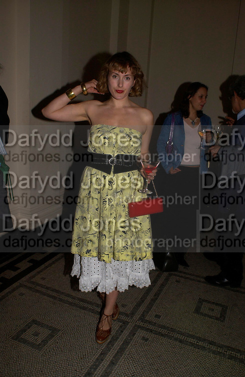 Cynnie Rainey. Party to celebrate the publication of 'Put On Your Pearl Girls!' by Lulu Guinness at the V&A museum, London. 5 May 2005. ONE TIME USE ONLY - DO NOT ARCHIVE  © Copyright Photograph by Dafydd Jones 66 Stockwell Park Rd. London SW9 0DA Tel 020 7733 0108 www.dafjones.com