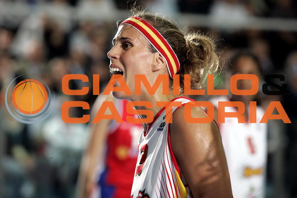 DESCRIZIONE : Chieti Italy Italia Eurobasket Women 2007 Finale Final Russia Spagna Russia Spain<br /> GIOCATORE : Amaya Valdemoro<br /> SQUADRA : Spagna Spain<br /> EVENTO : Eurobasket Women 2007 Campionati Europei Donne 2007 <br /> GARA : Russia Spagna Russia Spain<br /> DATA : 07/10/2007 <br /> CATEGORIA :<br /> SPORT : Pallacanestro <br /> AUTORE : Agenzia Ciamillo-Castoria/H.Bellenger<br /> Galleria : Eurobasket Women 2007 <br /> Fotonotizia : Chieti Italy Italia Eurobasket Women 2007 Russia Spagna Russia Spain<br /> Predefinita :