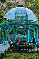 Géorgie, région de Samtskhé-Djavakhétie, Borjomi, station touristique thermale, le Parc Central, la source Ekaterina // Georgia, Caucasus, Samtskhe Djavakhetie region, Borjomi, thermal spring