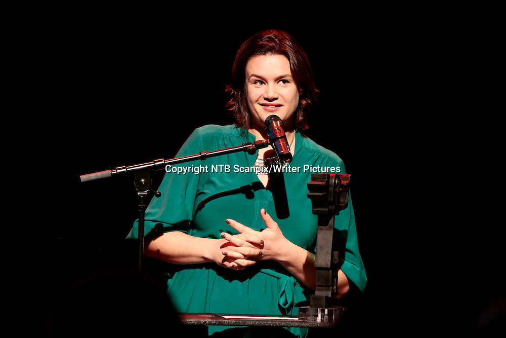Oslo  20131119.<br /> Ruth Lillegraven vinner Brageprisen 2013 i kategorien Skj&macr;nnlitteratur med boka &quot;Urd&quot;. Prisutdelingen finner sted p&Acirc; Dansens Hus i Oslo tirsdag kveld.<br /> Foto: H&Acirc;kon Mosvold Larsen / NTB scanpix<br /> <br /> NTB Scanpix/Writer Pictures<br /> <br /> WORLD RIGHTS, DIRECT SALES ONLY, NO AGENCY