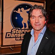 NLD/Utrecht/20110126 - Perspresentatie Sterren Dansen op het IJs 2011, jurylid Hein Vergeer