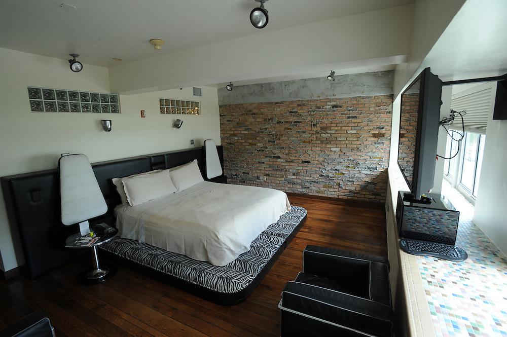 Suite im Pelikan Hotel, 826 Ocean Dr, Miami Beach, FL 33139.Jedes Zimmer ist verschieden eingerichtet und dekoriert...Florida 2009..Foto © Stefan Falke.