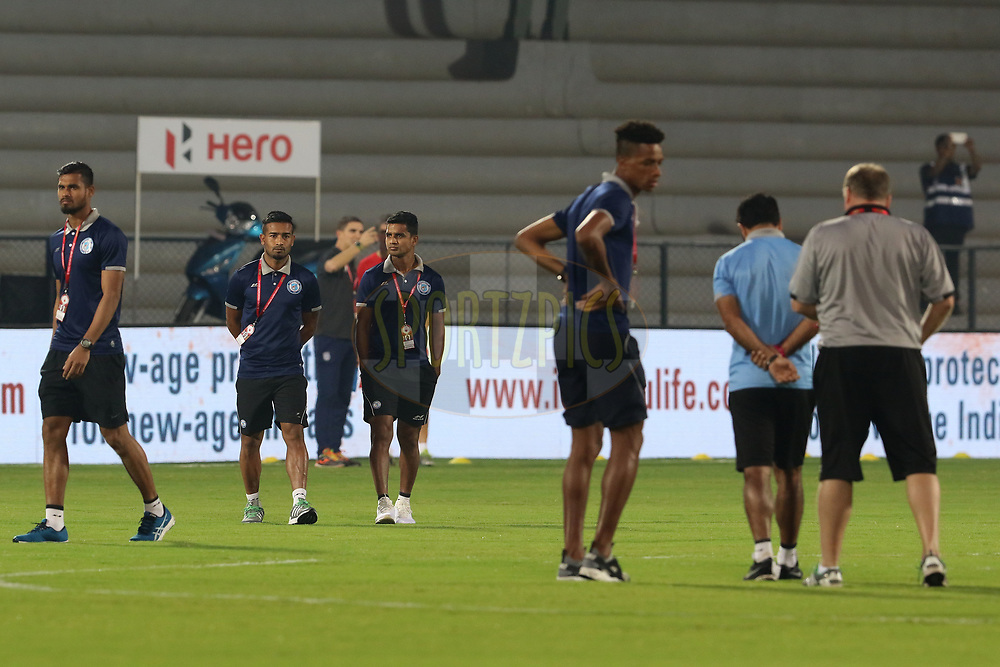 Jamshedpur FC players before the start of the match 61 of the Hero Indian Super League between Mumbai City FC and Jamshedpur FC held at the Mumbai Football Arena, Mumbai India on the 1st Feb  2018<br /> <br /> Photo by: Vipin Pawar  / ISL / SPORTZPICS