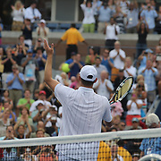 Andy Roddick, USA, salutes the crowd after losing against Juan Martin Del Potro, Argentina, during the US Open Tennis Tournament, Flushing, New York. USA. 5th September 2012. Photo Tim Clayton