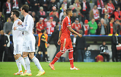 29.04.2014, Allianz Arena, Muenchen, GER, UEFA CL, FC Bayern Muenchen vs Real Madrid, Halbfinale, Ruckspiel, im Bild Ein voellig enttaeuschter Jerome Boateng (FC Bayern Muenchen) verlaesst nach der o:4 Niederlage das Spielfeld. // during the UEFA Champions League Round of 4, 2nd Leg Match between FC Bayern Munich vs Real Madrid at the Allianz Arena in Muenchen, Germany on 2014/04/29. EXPA Pictures &copy; 2014, PhotoCredit: EXPA/ Eibner-Pressefoto/ Stuetzle<br /> <br /> *****ATTENTION - OUT of GER*****