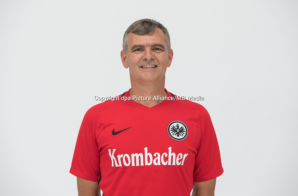 German Bundesliga - Season 2016/17 - Photocall Eintracht Frankfurt on 21 June 2016 in Frankfurt, Germany: Goalkeeping coach Manfred Petz. Photo: Handout/Eintracht Frankfurt/Hübner/dpa | usage worldwide