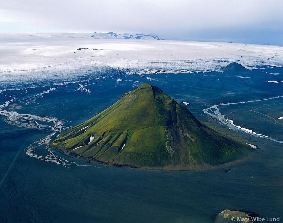 Mælifell, Mýrdalsjökull.Maelifell mountain on the sands at the foot of Myrdalsjokull gflacier.
