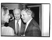 Jim Goodale. Michael Kramer. Ben Bradlee Book Party. Hosted by Toni and Jim Goodale.  25 Sept. 1995.© Copyright Photograph by Dafydd Jones 66 Stockwell Park Rd. London SW9 0DA Tel 020 7733 0108 www.dafjones.com