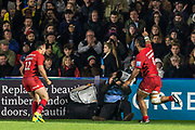 Billy Vunipola (Back Row) (Saracens) celebrates his try during the Gallagher Premiership Rugby match between Harlequins and Saracens at Twickenham Stoop, Twickenham, United Kingdom on 6 October 2018.