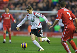 MIDDLESBROUGH, ENGLAND - Saturday, January 12, 2008: Liverpool's Fernando Torres in action against Middlesbrough during the Premiership match at the Riverside Stadium. (Photo by David Rawcliffe/Propaganda)