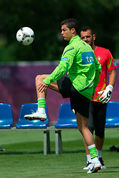 06.06.2012, Sportzentrum Remes, Opalenica, POL, UEFA EURO 2012, Portugal, Training, im Bild CRISTIANO RONALDO, EDUARDO CARVAHLO // during EURO 2012 Trainingssession of Portugal Nationalteam, at the Sportcenter Remes, Opalenica, Poland on 2012/06/06. EXPA Pictures © 2012, PhotoCredit: EXPA/ Newspix/ Jakub Kaczmarczyk..***** ATTENTION - for AUT, SLO, CRO, SRB, SUI and SWE only *****