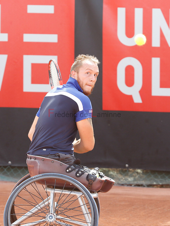 20170730 - Namur, Belgium : Nicolas Peifer (FRA) returns the ball during his finale against Gustavo Fernandez (ARG) at the 30th Belgian Open Wheelchair tennis tournament on 30/07/2017 in Namur (TC Géronsart). © Frédéric de Laminne