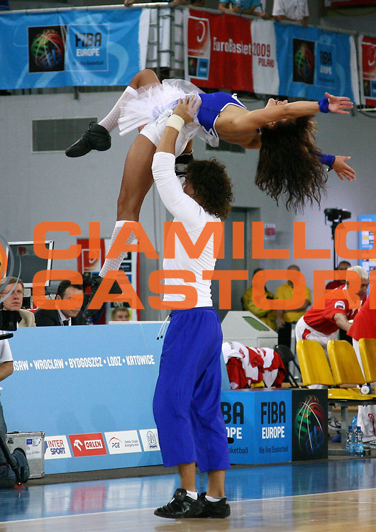 DESCRIZIONE : Bydgoszcz Poland Polonia Eurobasket Men 2009 Qualifying Round Russia Macedonia F.Y.R.of Macedonia<br /> GIOCATORE : Cheerleaders<br /> SQUADRA : <br /> EVENTO : Eurobasket Men 2009<br /> GARA : Russia Macedonia F.Y.R.of Macedonia<br /> DATA : 15/09/2009 <br /> CATEGORIA :<br /> SPORT : Pallacanestro <br /> AUTORE : Agenzia Ciamillo-Castoria/A.Vlachos<br /> Galleria : Eurobasket Men 2009 <br /> Fotonotizia : Bydgoszcz Poland Polonia Eurobasket Men 2009 Qualifying Round Russia Macedonia F.Y.R.of Macedonia<br /> Predefinita :