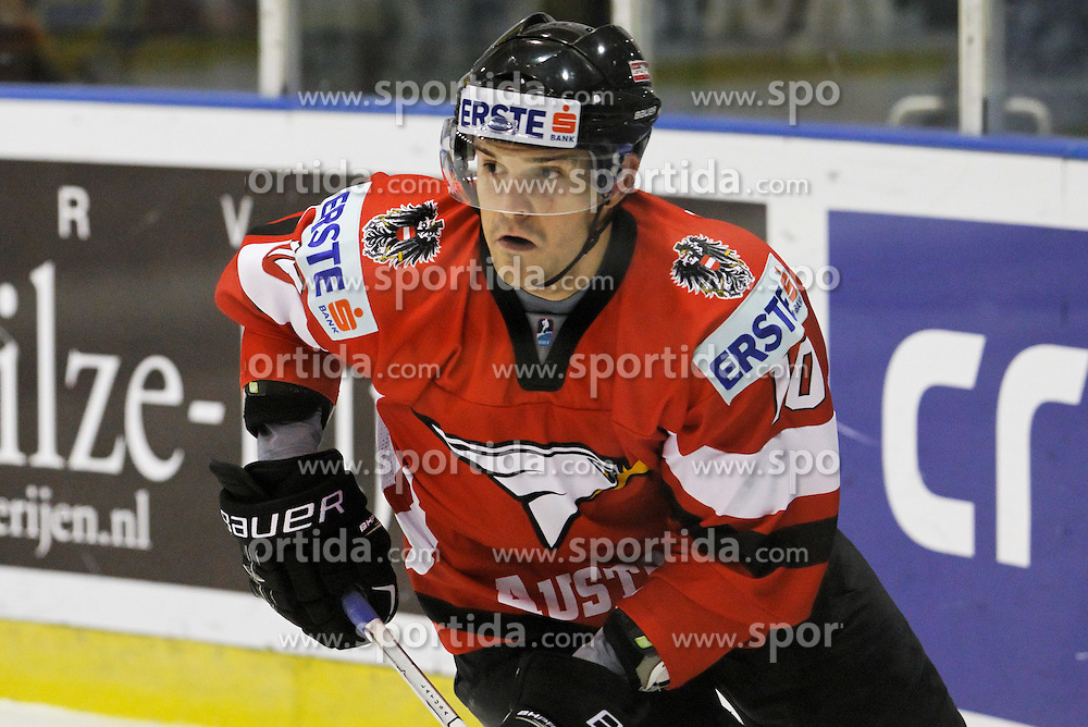 25.04.2010, Eishalle, IJssportcentrum, Tilburg, NED, IIHF Division I WM, Gruppe A, Österreich vs Ukraine im Bild Forwart Manuel Latusa, EXPA Pictures © 2010, PhotoCredit/ EXPA/ Fintan Planting / SPORTIDA PHOTO AGENCY