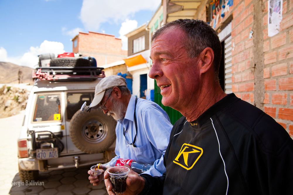 Bill Dragoo enjoys a Coke break with Hans Hesse in the Cordillera Quimsa Cruz, Bolivia.