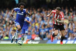 Chelsea's Juan Cuadrado attacks inside the sunderland half. - Photo mandatory by-line: Alex James/JMP - Mobile: 07966 386802 - 24/05/2015 - SPORT - Football - London - Stamford Bridge - Chelsea v Sunderland - Barclays Premier League