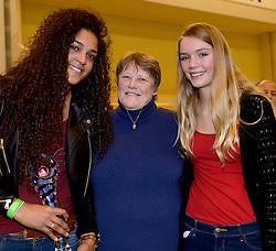 30-12-2014 NED: Uitreiking Ingrid Visser en Volleybalkrant Award 2014, Almelo<br /> Volleybalkrant organiseert voor de tweede keer de beste volleyballer en volleybalster. De Ingrid Visser en de Volleybalkrant awards werden uitgereikt door Patsy Visser, de moeder van Ingrid Visser /  Celeste Plak, Patsy Visser, Anna