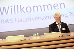 20.04.2016, Messe Essen, Essen, GER, Hauptversammlung RWE AG, im Bild Rolf Martin Schmitz (Manager und stellvertretender Vorstandsvorsitzender der RWE AG) // during the annual general meeting of RWE AG at the Messe Essen in Essen, Germany on 2016/04/20. EXPA Pictures © 2016, PhotoCredit: EXPA/ Eibner-Pressefoto/ Deutzmann<br /> <br /> *****ATTENTION - OUT of GER*****