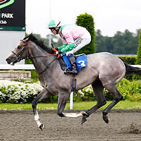 Glass Office and Jamie Spencer winning the 6.50 race