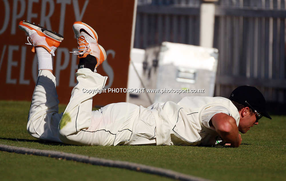 New Zealand all rounder James Franklin falls over the boundary rope after attempting to take a catch on Day 2 of the 2nd test match.  New Zealand Black Caps v Pakistan, Test Match Cricket. Basin Reserve, Wellington, New Zealand. Sunday 16 January 2011. Photo: Andrew Cornaga/photosport.co.nz