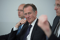 10 MAY 2012, BERLIN/GERMANY:<br /> Prof. Dr. Dr. h.c. Bert Ruerup, Vorsitzender des Kuratoriums DIW Berlin, Pressegespraech zu den Ergebnissen der Kuratoriumssitzung, DIW Berlin<br /> IMAGE: 20120510-01-009<br /> KEYWORDS: Bert Rürup