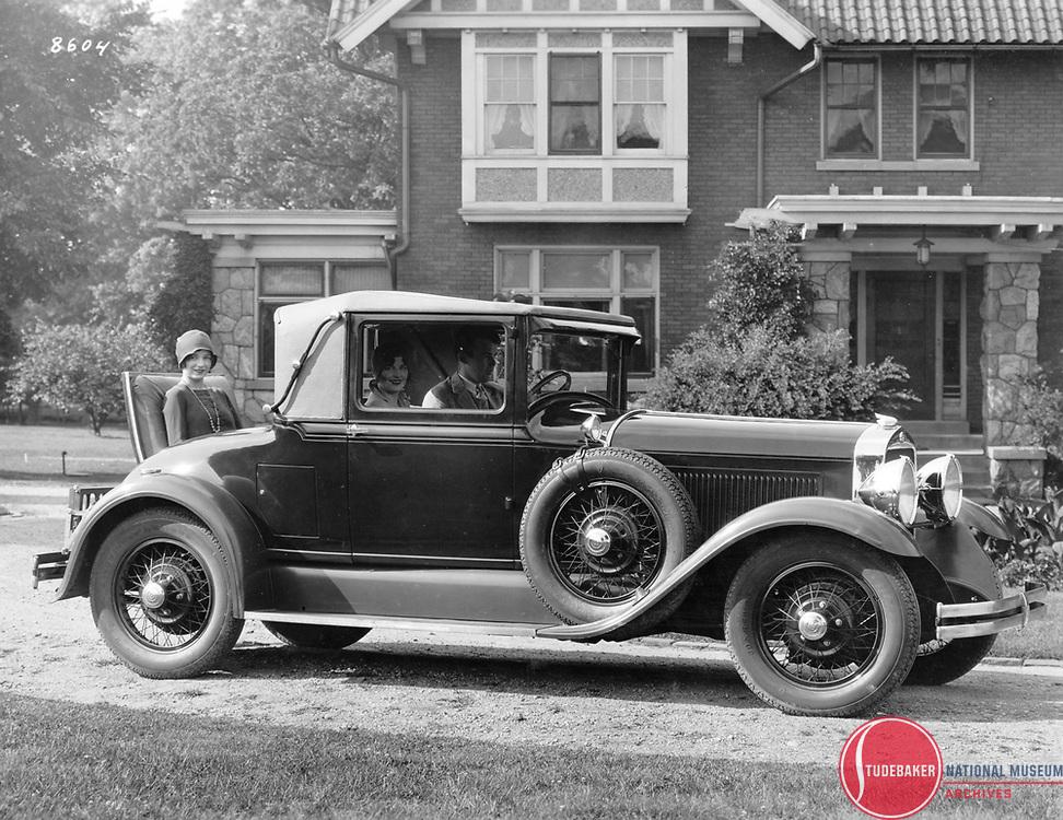 1929 Studebaker President Cabriolet.