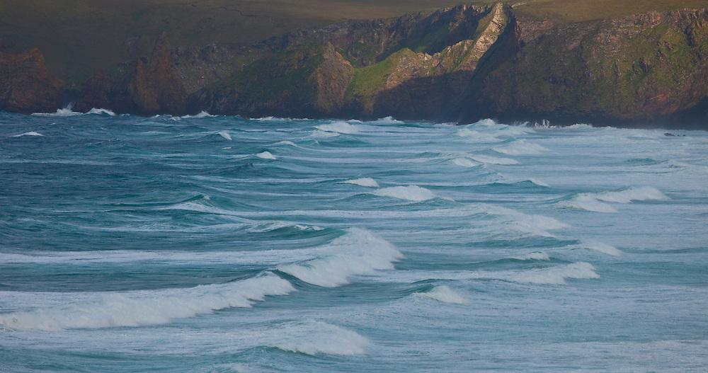 Playa de Tràigh Mhòr contra punta de Tolsta Head  - Rubha Tholastaidh. Tràigh Mhòr Beach against Tolsta Head  - Rubha Tholastaidh. Northeast Lewis Island. Outer Hebrides. Scotland, UK