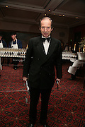 Simon de Pury, THE DINER DES TSARS in aid of UNICEF. To celebrate the launch of Quintessentially Wine, Guildhall. London. 29 March 2007.  -DO NOT ARCHIVE-© Copyright Photograph by Dafydd Jones. 248 Clapham Rd. London SW9 0PZ. Tel 0207 820 0771. www.dafjones.com.