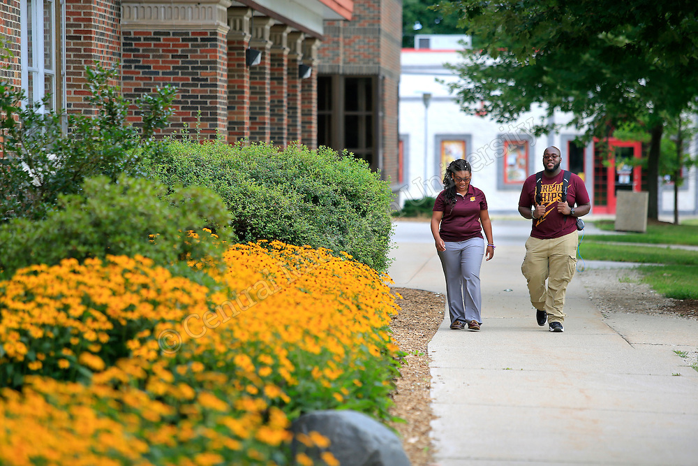 MAC Scholars Amarriah Valentine, West Bloomfield sr.,  and Jordan Jackson, Flint senior, Sports Management major walk on north campus near Grawn Hall. Photo by Steve Jessmore/ Central Michigan University