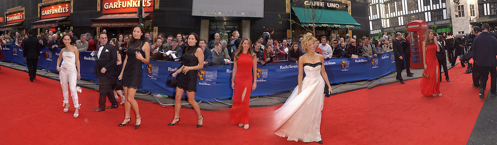 Samia Ghadie, Minnie Driver, tamzin Outwaite, Melinda Messenger, TV Bafta Awards, London Palladium. 13 April 2003. © Copyright Photograph by Dafydd Jones 66 Stockwell Park Rd. London SW9 0DA Tel 020 7733 0108 www.dafjones.com