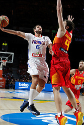 10.09.2014, Palacio de los deportes, Madrid, ESP, FIBA WM, Frankreich vs Spanien, Viertelfinale, im Bild Spain´s Pau Gasol (R) and Sergio Rodriguez and France´s Diot // during FIBA Basketball World Cup Spain 2014 Quarter-Final match between France and Spain at the Palacio de los deportes in Madrid, Spain on 2014/09/10. EXPA Pictures © 2014, PhotoCredit: EXPA/ Alterphotos/ Victor Blanco<br /> <br /> *****ATTENTION - OUT of ESP, SUI*****