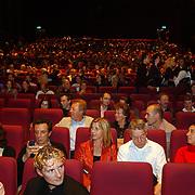 Premiere LOFT, zaal, publiek, lege stoelen, drukte