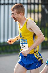 Boston Athletic Association 10K road race: Chris Magill BAA warms up