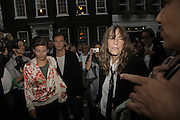 NATASHA LAW, JUDE LAW AND PATTI SMITH, Photos by Robert Mapplethorpe: Still Moving & Lady, Alison Jacques Gallery, 4 Clifford Street, London, W1, Dinner afterwards at the  The Dorchester with performance by Patti Smith, 7 September 2006.  ONE TIME USE ONLY - DO NOT ARCHIVE  © Copyright Photograph by Dafydd Jones 66 Stockwell Park Rd. London SW9 0DA Tel 020 7733 0108 www.dafjones.com