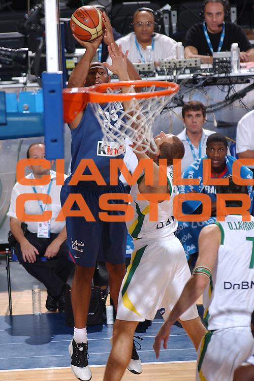 DESCRIZIONE : Madrid Spagna Spain Eurobasket Men 2007 Qualifying Round Lituania Francia Lithuania France <br /> GIOCATORE : Boris Diaw <br /> SQUADRA : Francia France <br /> EVENTO : Eurobasket Men 2007 Campionati Europei Uomini 2007 <br /> GARA : Lituania Francia Lithuania France <br /> DATA : 10/09/2007 <br /> CATEGORIA : Tiro <br /> SPORT : Pallacanestro <br /> AUTORE : Ciamillo&amp;Castoria/JF.Molliere <br /> Galleria : Eurobasket Men 2007 <br /> Fotonotizia : Madrid Spagna Spain Eurobasket Men 2007 Qualifying Round Lituania Francia Lithuania France <br /> Predefinita :
