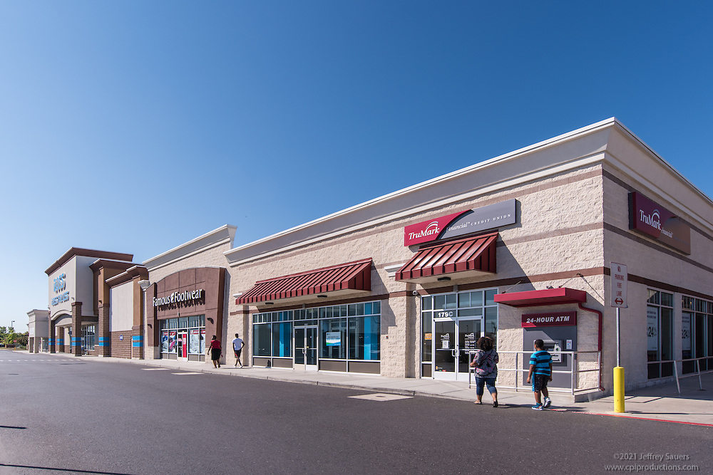 Exterior image of Levittown Town Center in Pennsylvania by Jeffrey Sauers of Commercial Photographics, Architectural Photo Artistry in Washington DC, Virginia to Florida and PA to New England