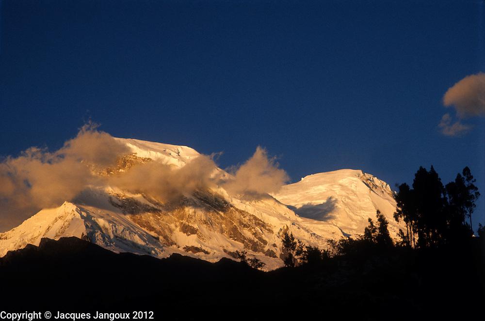 Peru, Andes Montain Range - Cordillera de los Andes, Cordillera Blanca mountain range, Mount Huascarán (6768 m), highest mountain in Peru.