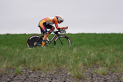 Chantal Blaak (Boels Dolmans) was one of the early starters setting a benchmark time that would see her end up with third place at Omloop van Borsele Time Trial 2016. A 19.9 km individual time trial starting and finishing in 's-Heerenhoek, Netherlands on 22nd April 2016.