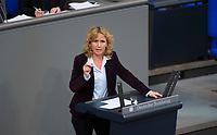 DEU, Deutschland, Germany, Berlin, 02.02.2018: Steffi Lemke (Bündnis 90/Die Grünen) bei einer Rede im Deutschen Bundestag.