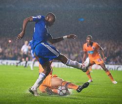 LONDON, ENGLAND - TUESDAY, SEPTEMBER 15th, 2009: Chelsea's Salomon Kalou shoots at goal during the UEFA Champions League Group D match at Stamford Bridge. (Photo by Chris Brunskill/Propaganda)