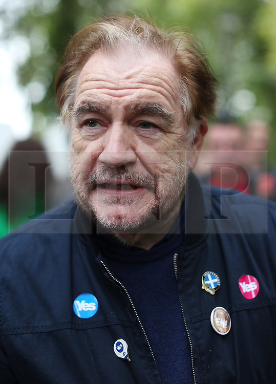 © Licensed to London News Pictures. 14/09/2014. Edinburgh, UK. Scottish actor Brian Cox joins Yes campaigners today at the Meadows, Edinburgh, to gain new voters. With only  four days left to decide on the Scottish referendum, the latest polls give a mixed picture of opinions. Photo credit: Isabel Infantes / LNP