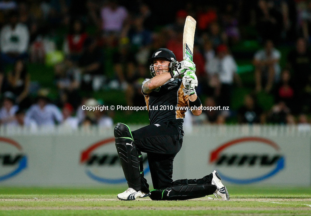 Blackcaps batsman Brendon McCullum. KFC Twenty20, New Zealand Blackcaps v Bangladesh, Seddon Park, Hamilton. Wednesday 3rd February 2010. Photo: Simon Watts/PHOTOSPORT