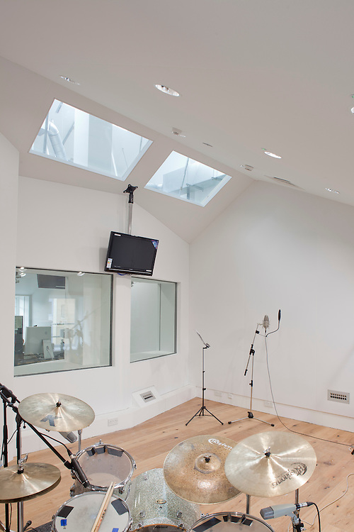 sound tree recording studios london old street. interior. ben adams architecture.
