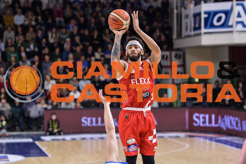 Terran Petteway<br /> Banco di Sardegna Dinamo Sassari - The Flexx Pistoia Basket<br /> Legabasket Serie A LBA Poste Mobile 2016/2017<br /> Sassari 04/03/2017