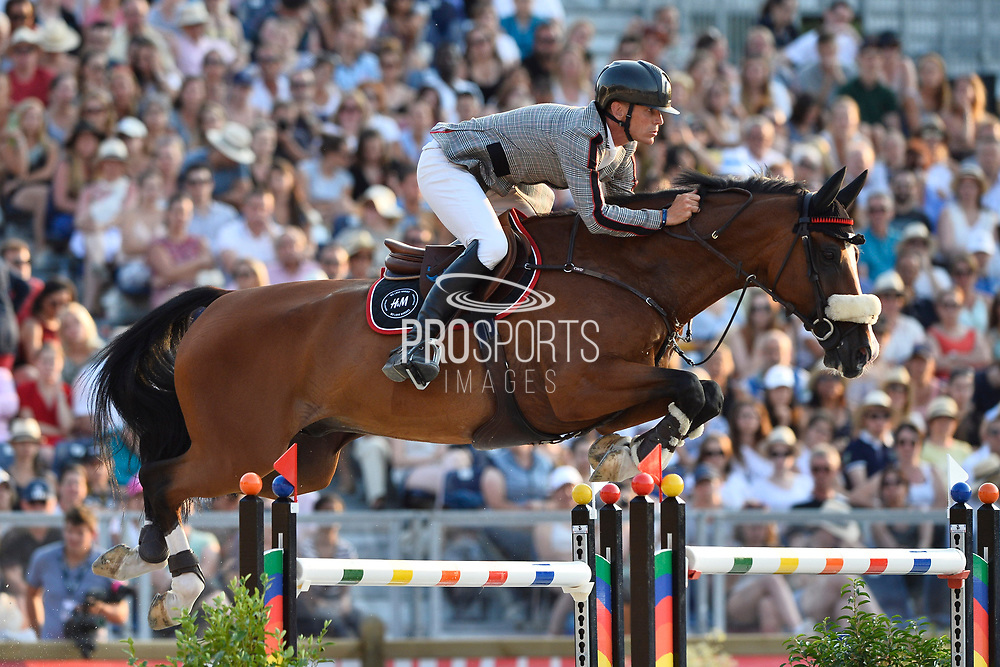 Paris, France : Peder Fredricson riding Hansson Wl during the Longines Paris Eiffel Jumping 2018, on July 5th to 7th, 2018 at the Champ de Mars in Paris, France - Photo Christophe Bricot / ProSportsImages / DPPI