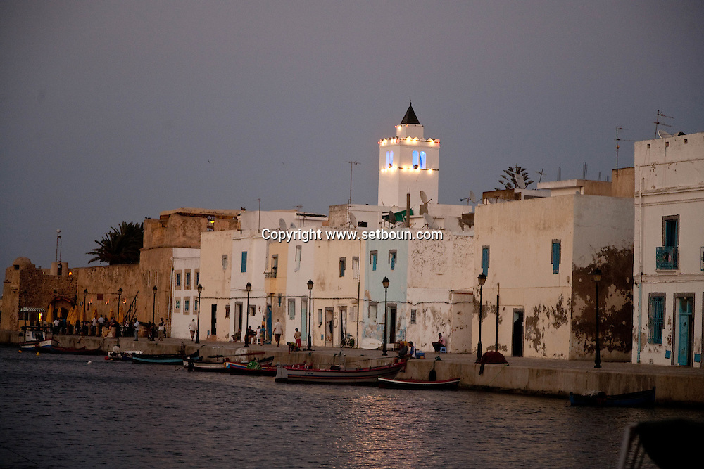 the old port  Bizerte - Tunisie   /// le vieux port  Bizerte - Tunisie  /// TUNIS102
