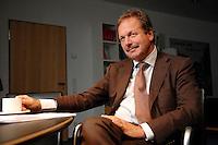 16 NOV 2006, BERLIN/GERMANY:<br /> Frank Bsirske, Vorsitzender der Gewerkschaft ver.di, Vereinte Dienstleistungsgewerkschaft, waehrend einem Interview, in seinem Buero, Ver.di Bundesverwaltung<br /> IMAGE: 20061116-01-014
